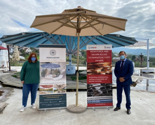 WHAM Beneficiary Edengarden 2019-2020 in front of their completed parasol product